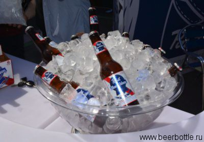 Пиво Pabst Blue Ribbon