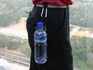 Крепление бутылки