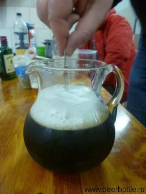 Мешаем и получаем тёмное пиво!
