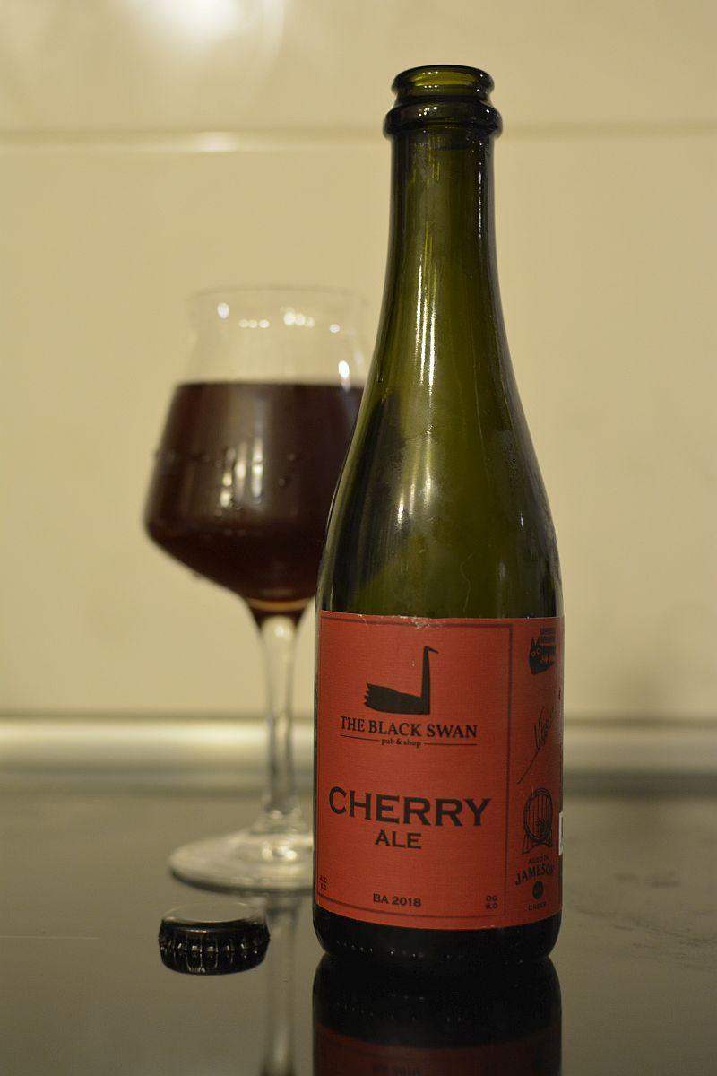 Пиво Black Swan Cherry Ale