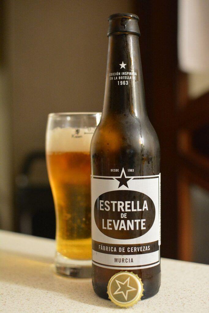 Пиво Estrella de Levante